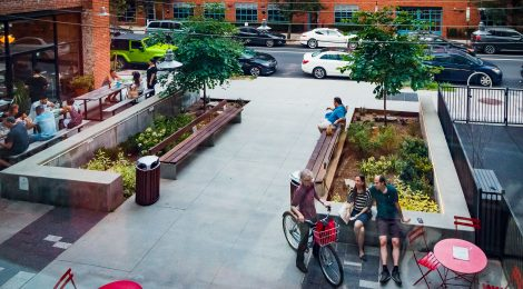 Public Plazas: 8 Key Considerations When Planning a Public Plaza